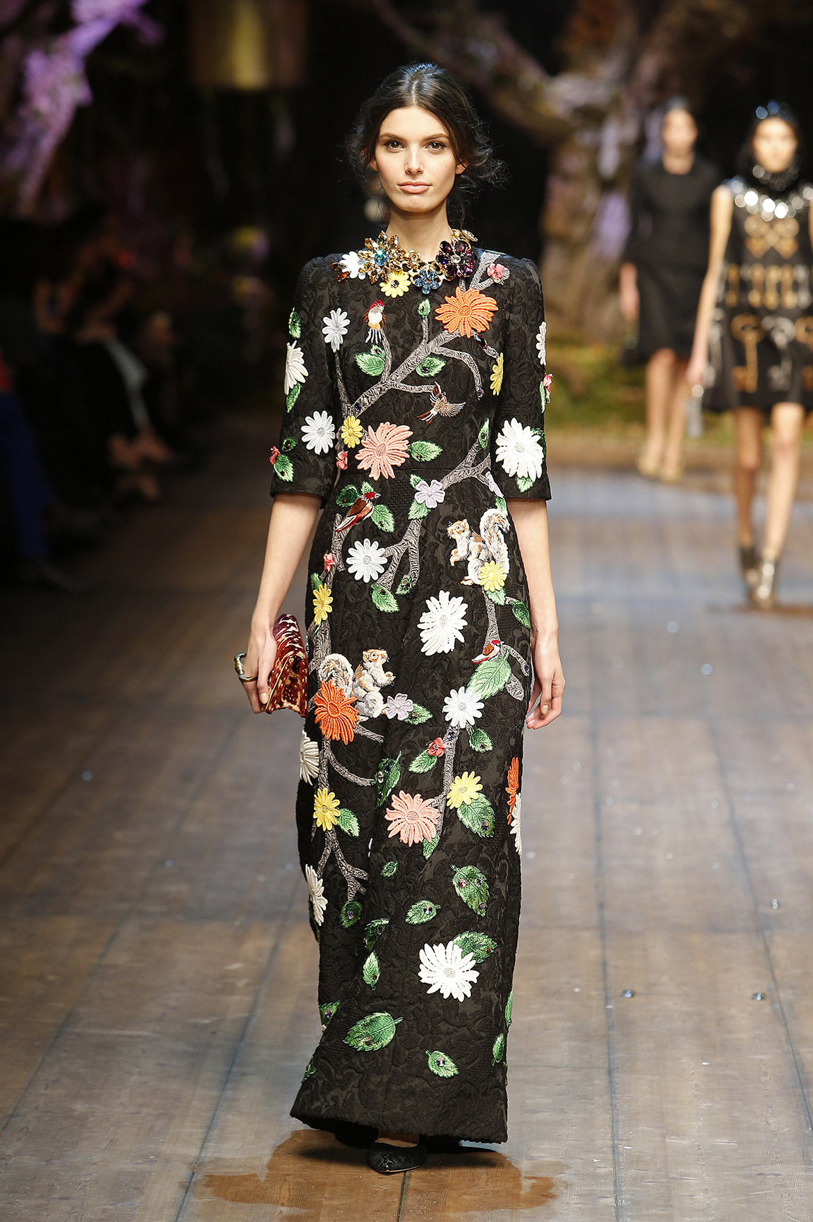 dolce-and-gabbana-fw-2014-2015-women-fashion-show-runway (4)
