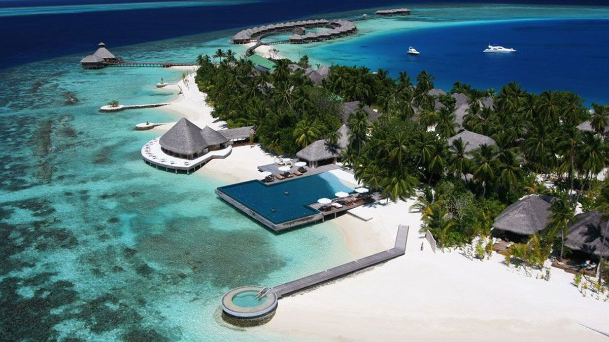 Huvafen Fushi in Maldives Offer First Underwater Spa